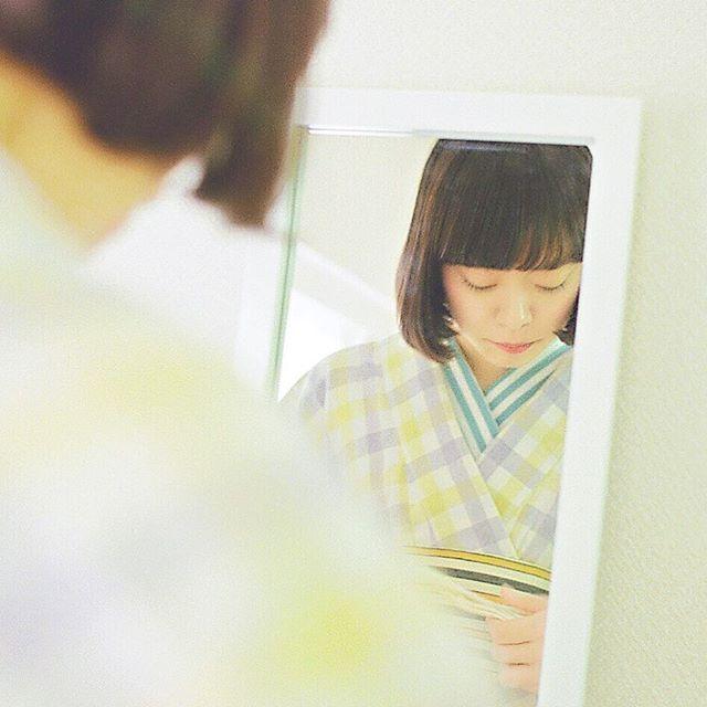 自分で着付  正装着ではない普段着や浴衣 自分で着てみよう 案外出来そうな簡単な気がする チャレンジして やってみて初めてわかること  上級者の方、 あなたも昔はそうだったんだよ どうか優しくね  #着物 #浴衣 #着付 #自分で #japan #kimono #yukata #大塚呉服店 #otsukagofukuten  #普段着 #東京 #お出かけ #優しく  大塚呉服店424