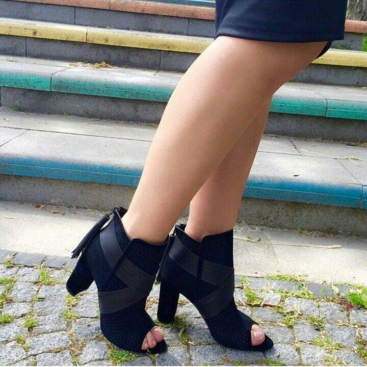 89.99 TL 36-40 Soru ve sipariş için 0531 258 5655 Surat kargo ile gönderim sağlanmaktadır Kargo ücreti 9 TL Ürünlerimiz %100 değişim garantilidir Değişim için 3 iş günü içinde dönüş yapılmalıdır  #moda #trend #stil #shopping #ayakkabı #shoes #fashion #woman #women #kadın #giyim