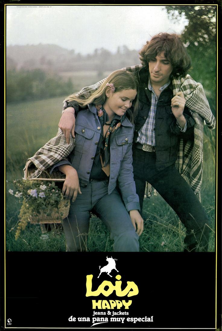 1977    'Lois HAPPY'.