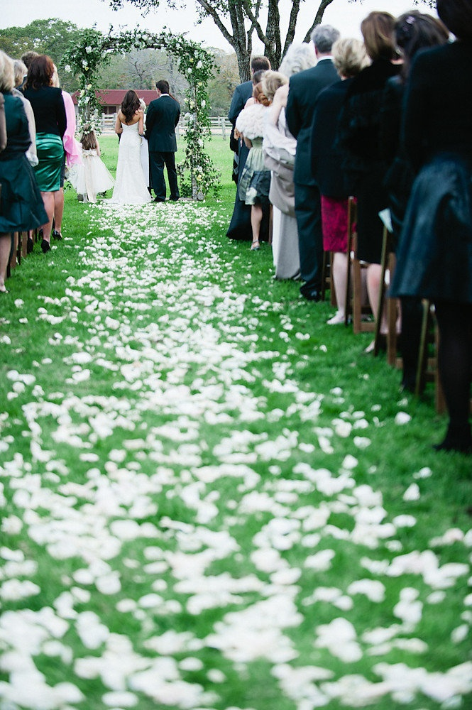 PERFECT, but with other color petals on the aisle.