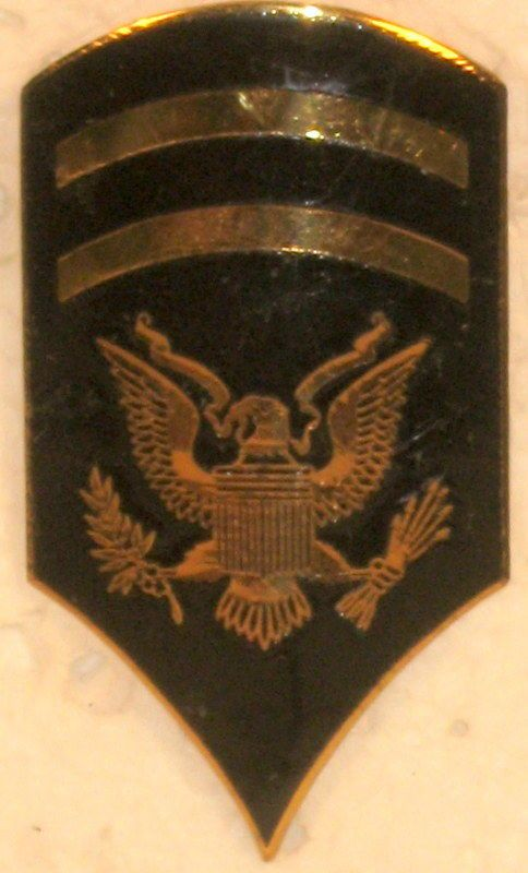 US ARMY SPECIALIST 1ST CLASS OR 6 SHINY RANK INSIGNIA FOR HAT CAP OBSOLETE