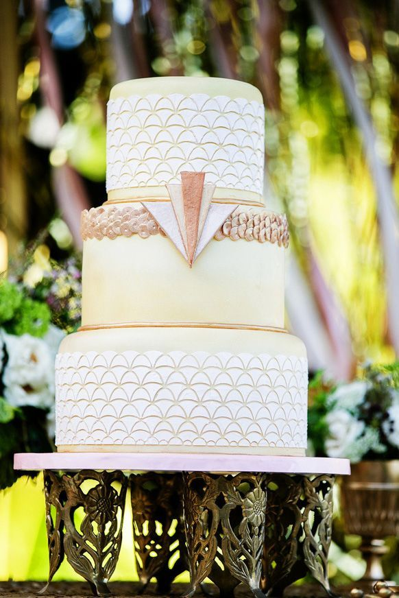 Beautiful gold, white, and yellow Gatsby-themed wedding cake #cake #wedding #weddingcake #gold #gatsby