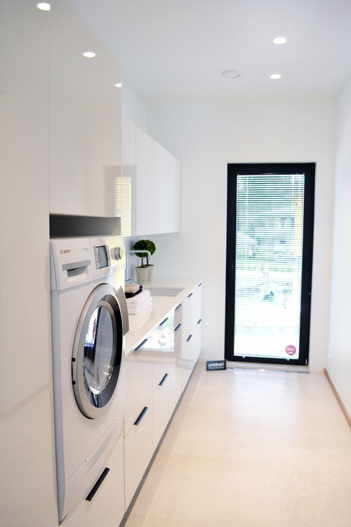 I'm loving the lit and natural sunlight beaming in the laundry room! #modern #laundryroom #utilityroom #decor #house #monochrome #minimalistic