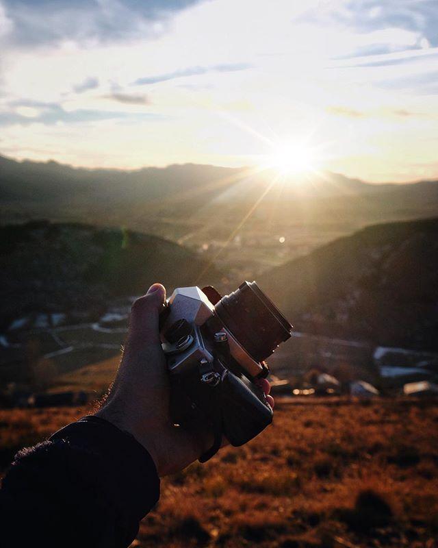 Enjoying the golden hour!  Tardes... de fotografia i desconnexió... Bona setmana FamIGlia!!!