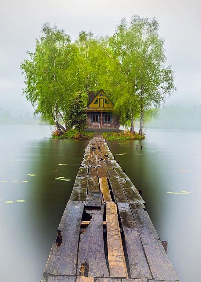Solotvin Village - Ukraine ~ Photo by @marinatrygub