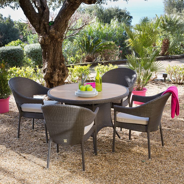 table ronde exterieur rodondo outdoor dining set for nine stunning table ronde de jardin. Black Bedroom Furniture Sets. Home Design Ideas