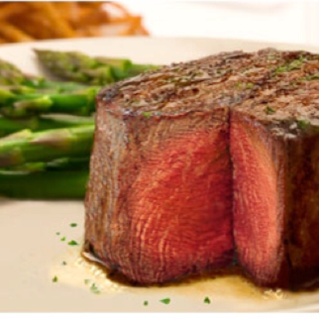 Valentine's Day dinner date with the best steak in the world - Ruth's Chris!
