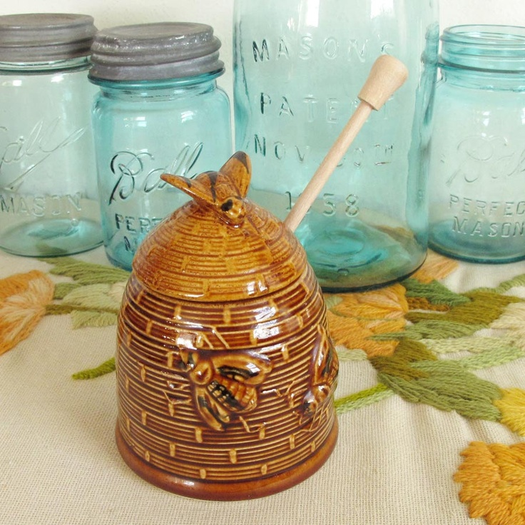 Vintage Beehive Honey Pot Ceramic Brown Jar With Bees