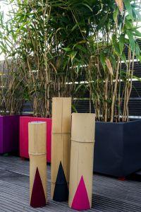 Terrassengestaltung mit Bambus-Kerzenhalter als Balkon oder Terrassen Deko.