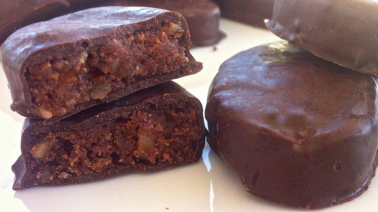Ένα λαχταριστό γλυκάκι σοκολάτας που σίγουρα δεν μπορείς να αντισταθείς. Μια πανεύκολη συνταγή με λίγα υλικά, εύκολο και γρήγορο τρόπο παρασκευής, πεντανό