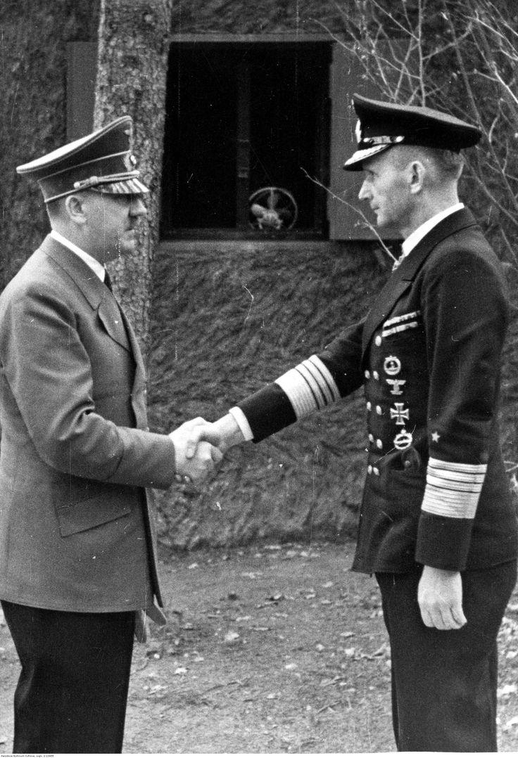 Karl Dönitz es recibido por Adolf Hitler - 1942.