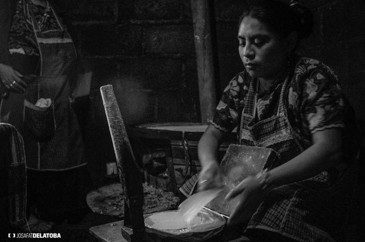 Native women of Chamula Chiapas #josafatdelatoba #cabophotographer #chiapas #landscapephotography #mexico #maya #chamula #native