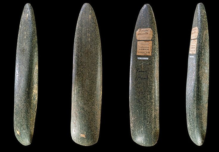 Polished Neolithic ax, diorite, 250 × 52 × 33 mm (9.84 × 2.05 × 1.3 in). Muséum de Toulouse, Toulouse, France. Photographer: Didier Descouens