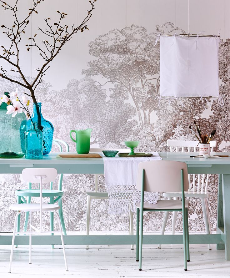 Pastel dining room with botanic flower wallpaper, vtwonen light Ribbon and colorful accessoires by Fest Amsterdam, Loods 5, De Machinekamer, First or Second, Combitex, Restored and Store without a home.   Styling @cscheulderman & @fransuyterlinde    Photographer Jansje Klazinga & Jeroen van der Spek   vtwonen May 2015   #vtwonencollectie