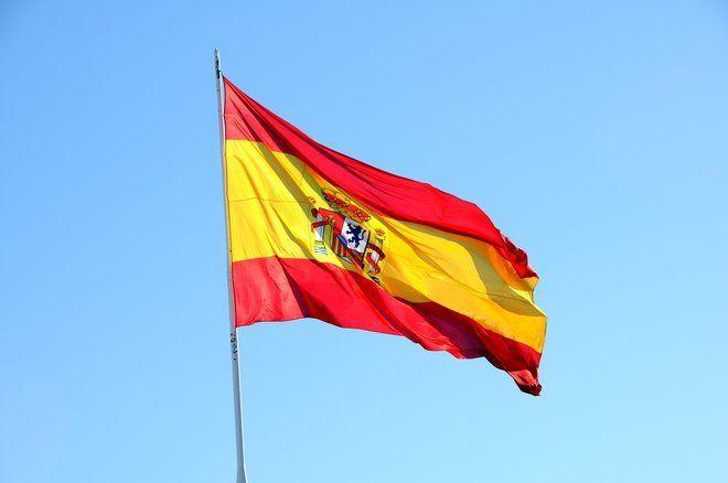 Parlamento catalão declara independência da região - http://po.st/UmWlDg  #Política - #Catalunha, #Decisão, #Independência, #Tribunal