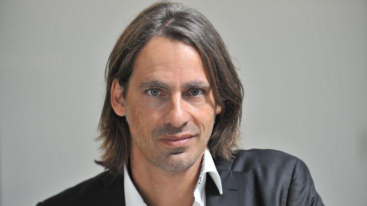 """Letztes Update am 12.07.2015, 08:00 Artikel drucken Precht: """"Hätte mir mehr Marxismus gewünscht"""" Der deutsche Philosoph Richard David Precht über den Grexit und die Zukunft der EU"""