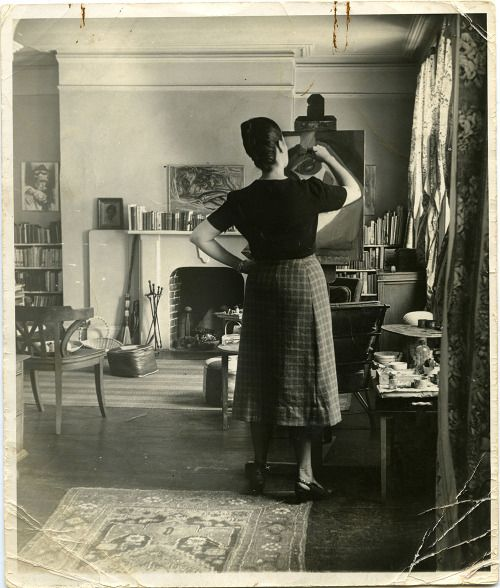 Carmen Herrera at 50 King street, 1947, via The Cut.