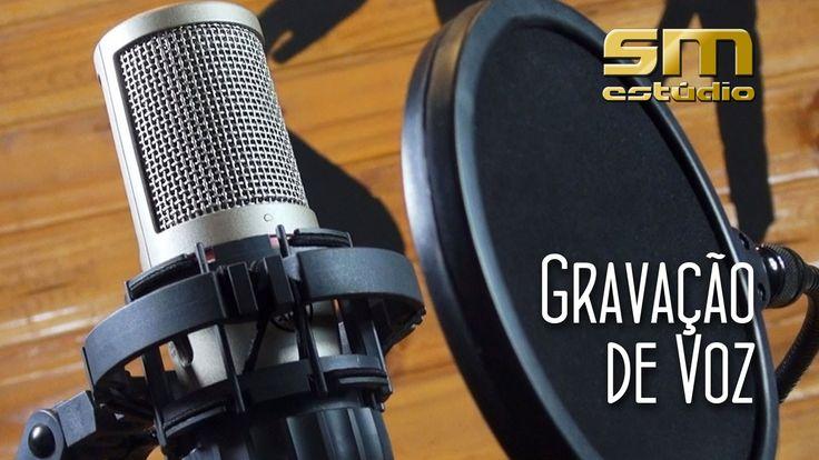 """Neste episódio da série """"Gravando o seu CD"""", os produtores Antonio Mícoli e Leonardo Lona falam sobre a importância da Gravação de voz em um cd. Participação dos cantor Rogério Clemente."""