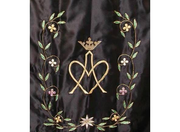 Estandarte para procesiones bordado con fotografia personalizable / Easter processional and church banner (3/4). http://www.articulosreligiososbrabander.es/estandartes-bordados-de-cofradias-personalizados-150x90-cm.html