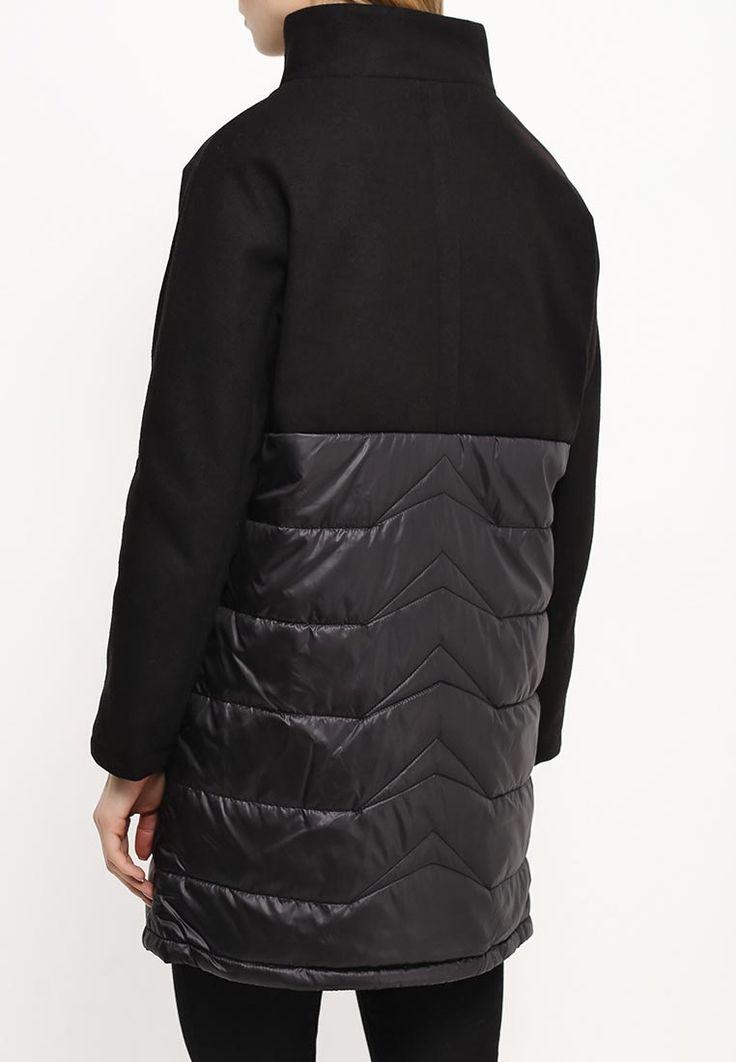 Куртка Troll выполнена из сочетания мягкого и плотного текстиля. Модель с искусственным утеплител...