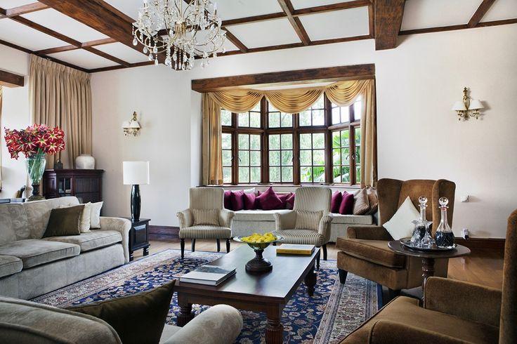 """""""Les bungalows de Castlereagh et Summerville sont au bord du lac, Norwood jouit d'une vue panoramique et Tientsin est plutôt colonial ; tous ont des meubles d'époque."""" - Relais&Châteaux - Ceylon Tea Trails - www.resplendentceylon.com"""