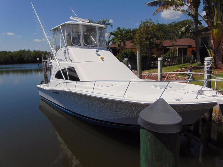 2001 40' Used Luhrs 40 Convertible Saltwater Fishing Boat For Sale - $149,900 - Fort Pierce, Florida. See boat pictures, videos, and detailed specs.