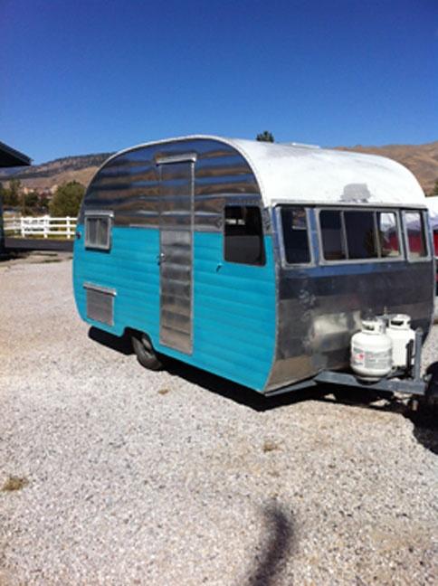 Arlo's '56 Shasta.  VTCmont.#0014