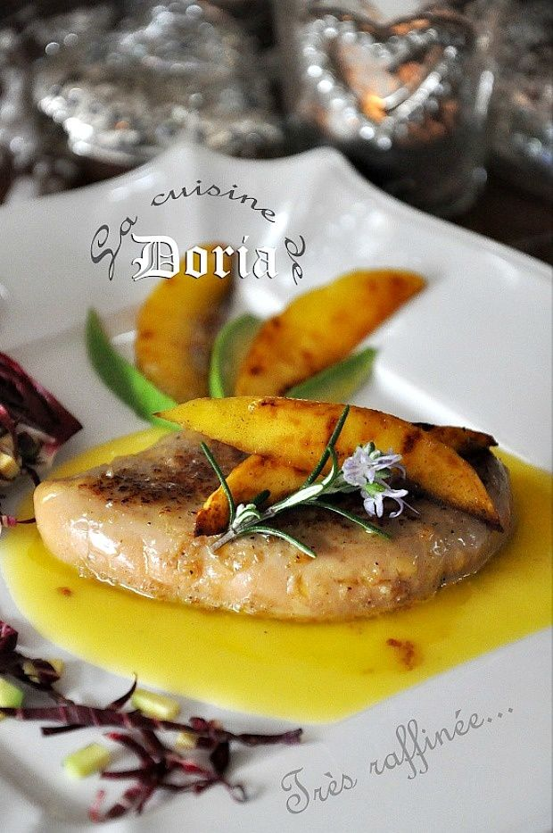Foie gras poêlé à la mangue et sauce vin blanc liquoreux