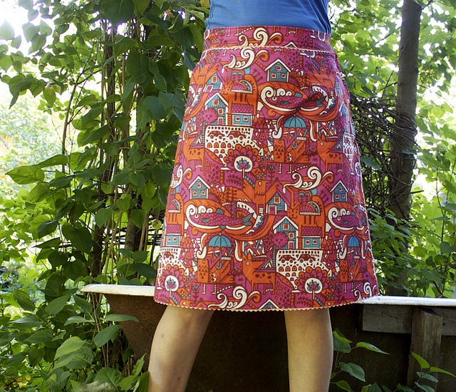 skirt by Ruusu-Hanna, via Flickr  links to printable patterns as well
