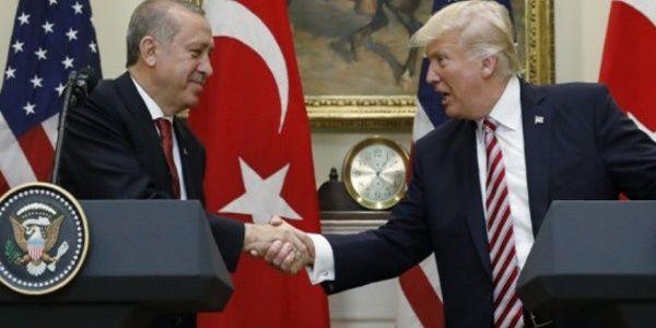 Χρυσή συμφωνία για ΗΠΑ - Τουρκία: Τι υπέγραψε ο Τραμπ με τον σουλτάνο φίλο του Ερντογάν