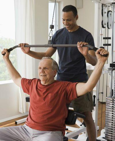 Artrite reumatoide: exercícios previnem e amenizam deformações