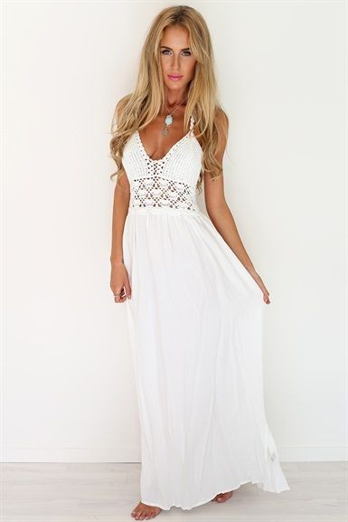If only I was tall enough to carry off a long maxi!  ..... Crochet White Maxi | SABO SKIRT