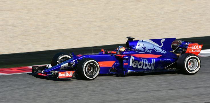 https://flic.kr/p/TutCFZ | Toro Rosso STR12 / Carlos Sainz / ESP / Scuderia Toro Rosso