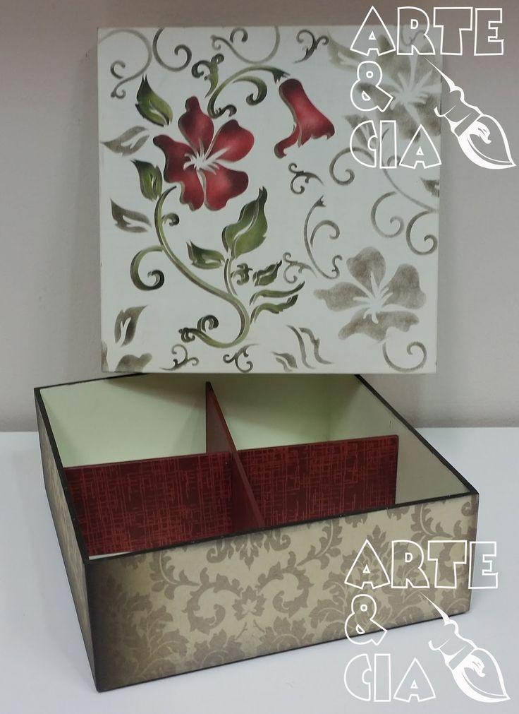 Caixa de MDF com Stencil Duplo - Flor Vermelha - Arte & Cia (dentro)