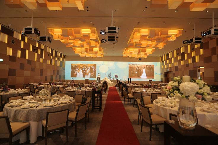 Getting married? See what Grand Hyatt Singapore has to offer at their annual wedding showcase.