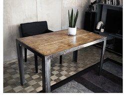Stalowy Stół Z Dębowym Blatem - zdjęcie od ReNoweArt