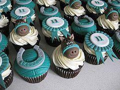Petits gâteaux d'équitation (ilovechrissycakes) Balises: anniversaire mariage garçon rouge h …   – Lenny Turns 2