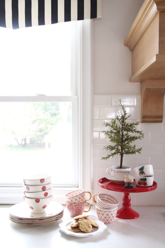 red cake stand, christmas pottery, Christmas baking ideas Cookies