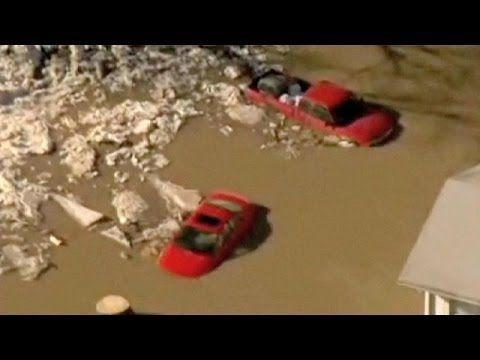 """http://youtu.be/HDQJFDbsh4M """"Land unter"""" in Indiana und Pennsylvania: Starker Regen und schmelzendes Eis sorgten in den beiden US-Bundesstaaten für schwere Überschwemmungen. Viele Keller sind vollgelaufen, Autos blieben im Hochwasser steckten - Verletzte gab es aber keine.... LESEN SIE MEHR: http://de.euronews.com/2014/02/22/hoc..."""