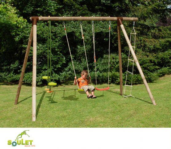Portique bois Soulet HIBISCUS composé de deux balançoires, un vis-à-vis et une échelle 5 barreaux.