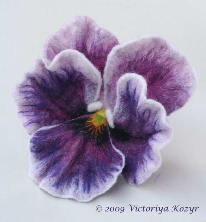 Viktoria Kozyr, Frame wet felting technique