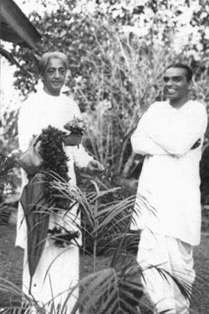 1940s: Jiddu Krishnamurti with BKS Iyengar ....  .... #VintageYoga #BKSIyengar #IyengarYoga #YogaHistory #YogaGuru #1950s #JidduKrishnamurti