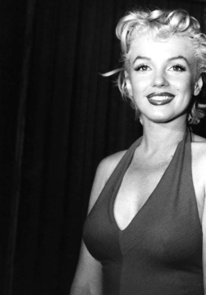 Marilyn Monroe during her photo session with Ted Baron, 1954.