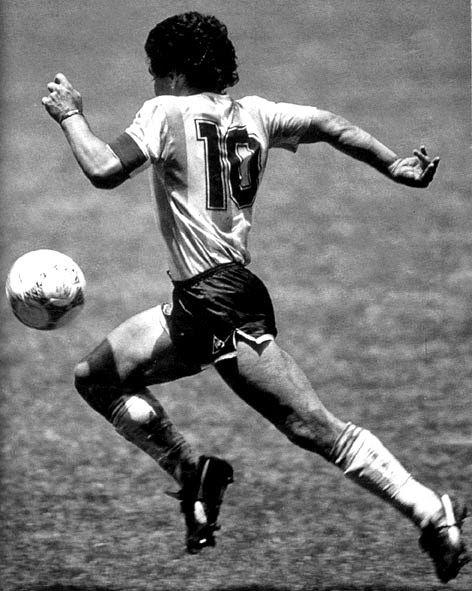 #DiegoMaradona, #ElPibedeOro. #Legend