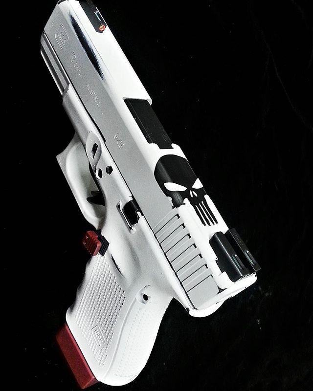 """Glock 19 Gen 4 """"The Punisher"""""""