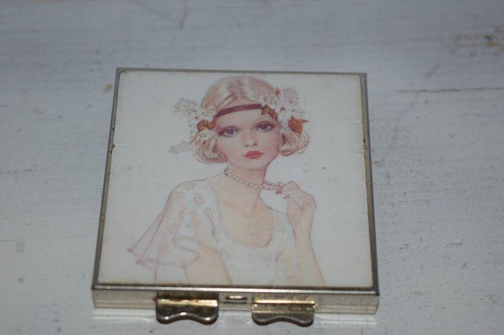 Weiteres - Vintage  Pillendose  - Goldene 20 ger Look  - ein Designerstück von VitaMonella bei DaWanda