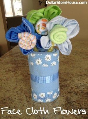 Baby Shower Gift Idea - Facecloth Flowers {DollarStoreHouse.com} #DIY #gifts
