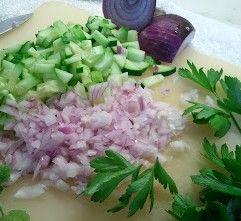 zdrowie uroda kondycja odzywianie : zdrowa sałatka z serem , makaronem i innymi skladn...