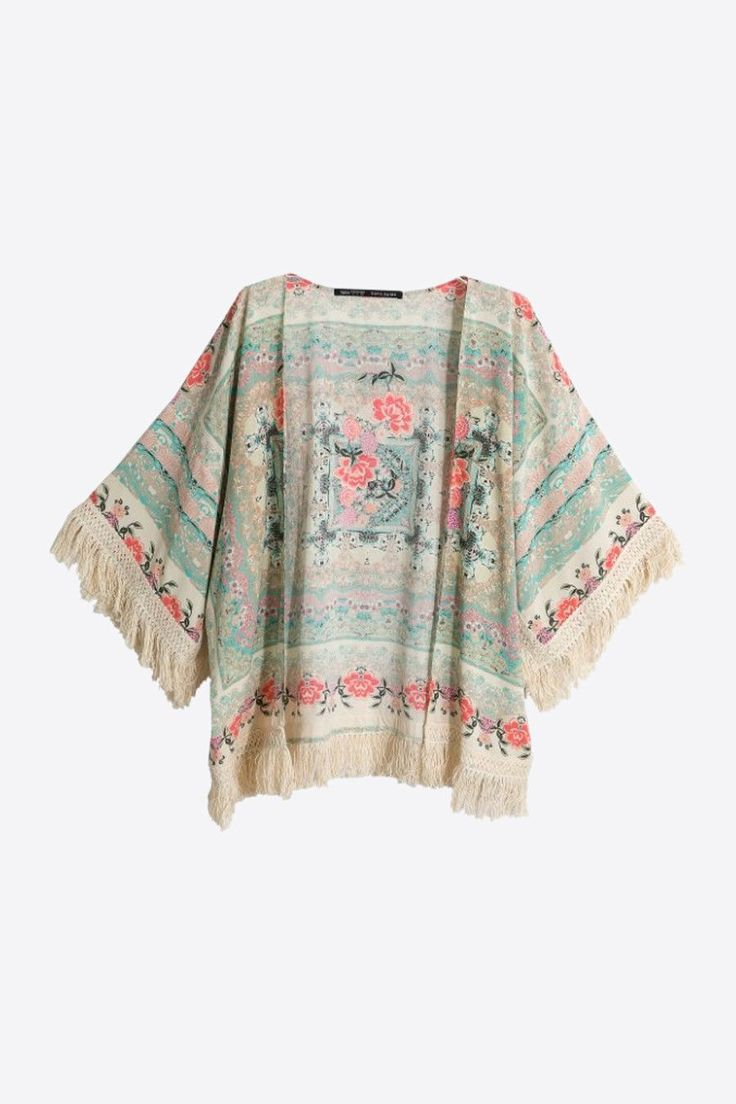 This item is shipped in 48 hours, included the weekends. This open front kimono is the perfect accessory to keep you warm during cooler weather. The attractive flower print adds a feminine touch to an