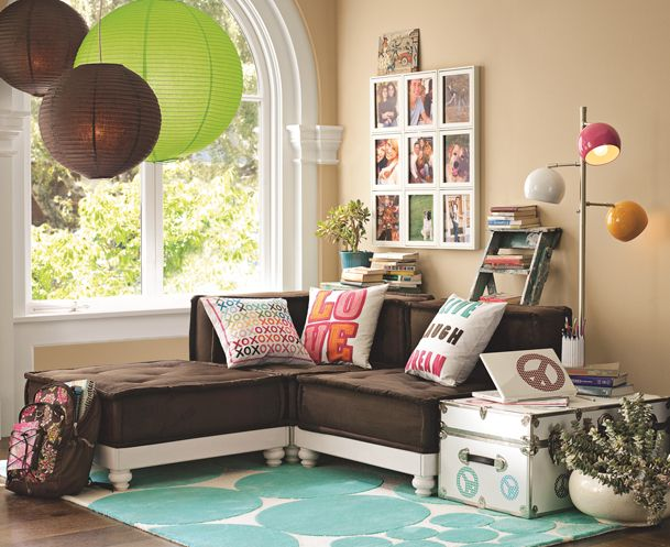 Fun rooms for tweens teen girl hangout spot ideas for Lounge makeover ideas
